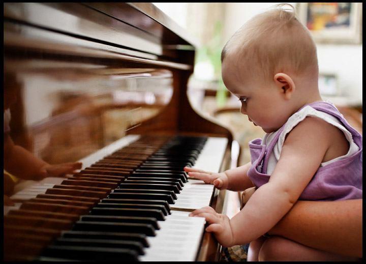 cho bé học piano