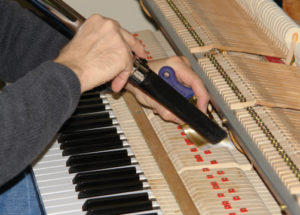 Bạn đã biết cách bảo quản đàn piano cơ tốt chưa