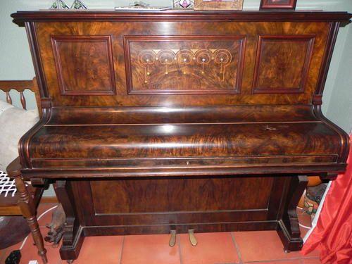 Đàn piano cơ cũ có chốt đàn hỏng