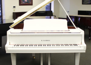 Review đàn piano GL-10 White Polish của Kawai