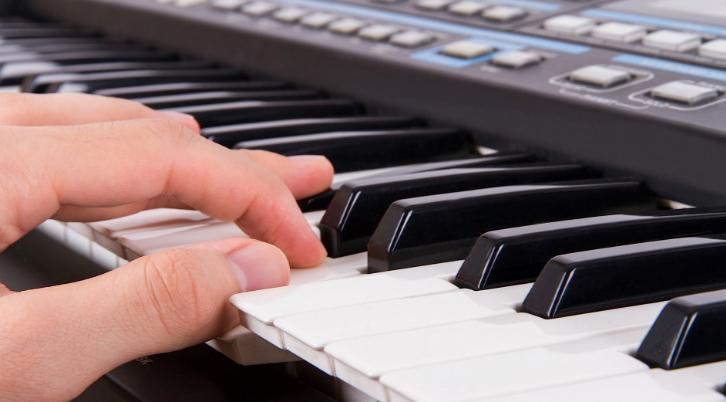 Học đàn keyboard mất bao lâu?