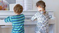 Làm thế nào phụ huynh có thể giúp đỡ trẻ học piano