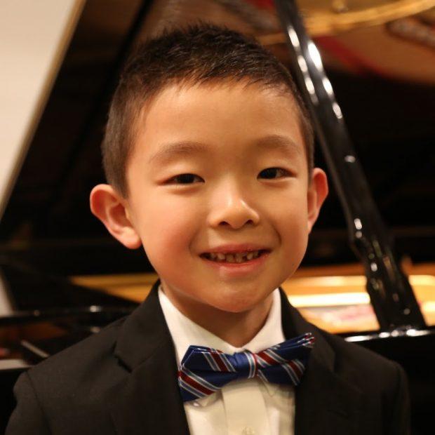 """William Zhang, cậu bé người Mỹ gốc Hoa trở thành thần đồng Piano và minh chứng cho việc được tiếp xúc với âm nhạc từ sớm là một """"đặc ân"""" đ"""