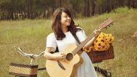 Học đàn guitar online tại Việt Thương Music học phí bao nhiêu?