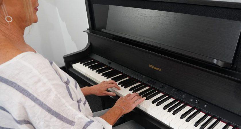 Học chơi piano trực tuyến – Hướng dẫn của Piano Roland